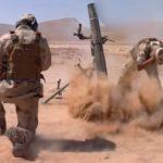 Membri del Nuovo Esercito Siriano sparano a postazioni ISIS. Credits to: New Syrian Army