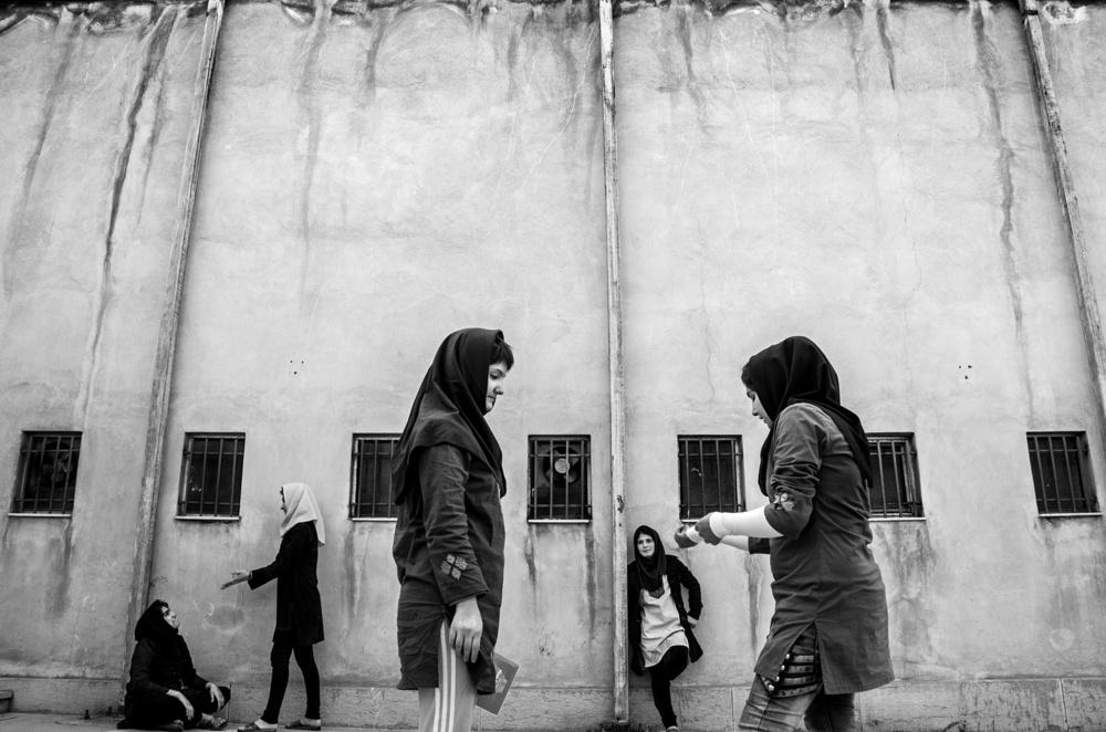 Le ragazze possono uscire nel cortile della prigione un'ora al mattino e un'ora alla sera. © Sadegh Souri