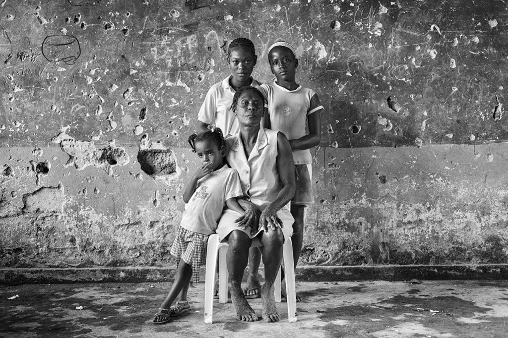 In the Eternity of Sorrow. Colombia © Alvaro Ybarra Zavala