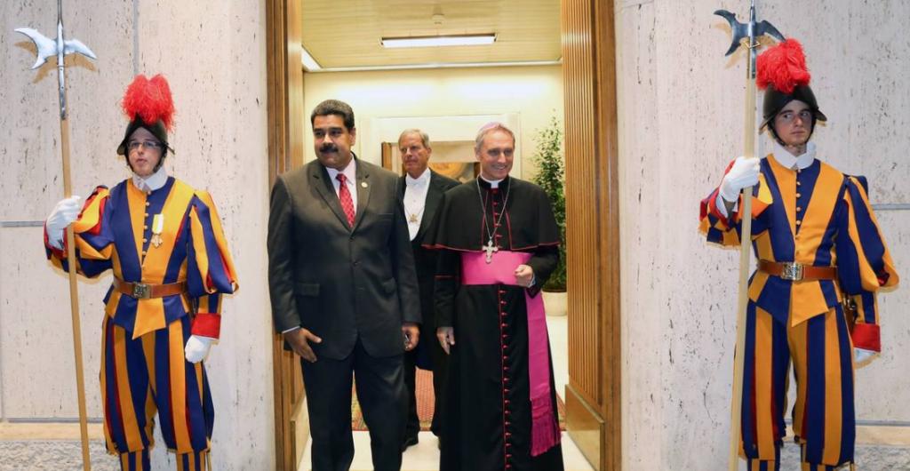 Il Presidente venezuelano Nicolas Maduro si reca in visita dal Papa in Vaticano - 24 ottobre 2016 / credits: Marcelo Garcia - Afp / Getty Images